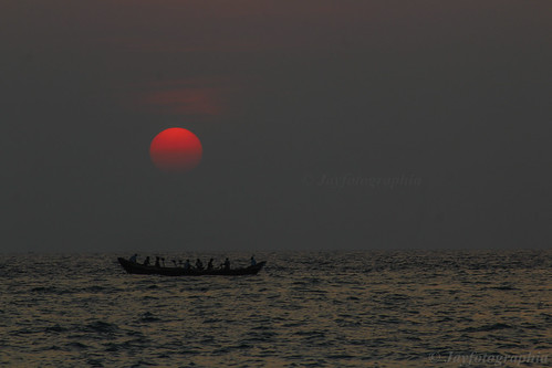 sunset sea sun india beach nature fishing fishermen kerala godsowncountry thiruvananthapuram incredibleindia kovalambeach jayasankarmadhavadas canoneos1200d jayfotographia