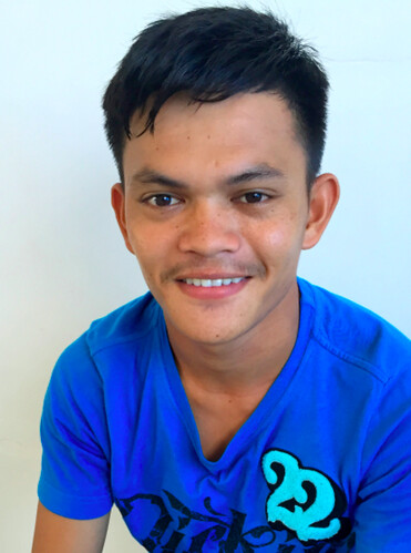 Local DSWD employee Gino V. Esmero | by dilg.yolanda