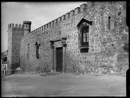 Palacio de los Duques de Maqueda en Toledo hacia 1920. Fotografía de Enrique Guinea Maquíbar © Archivo Municipal de Vitoria-Gasteiz