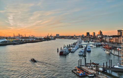 hamurg hafen port harbor sonnenuntergang sunset schiffe color elbphilharmonie germany körnchen59 elke körner sony