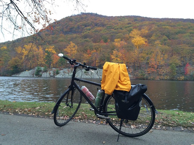 日, 2015-11-01 09:31 - Hessian Lake at Bear Mountain