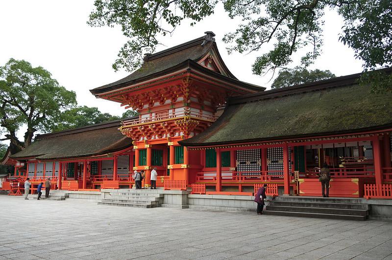 sanctuaire supérieur avec le bâtiment dédié à l'empereur Ojin