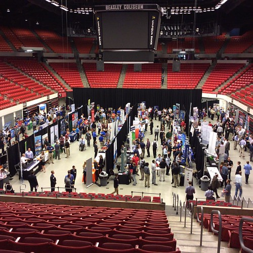 More employers on the coliseum floor for the career expo and technical fair. Check them out until 3pm #WSU #GoCougs
