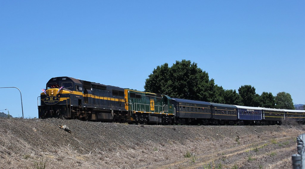 C501 and C510 are just a couple of hundred meters away from the final destination of Albury by bukk05