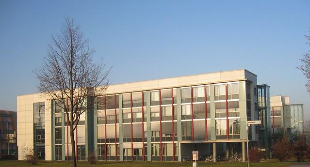 1999/2001 Magdeburg Max-Planck-Institut für Dynamik Komplexer Technischer Systeme von Gunter Henn Elbe-km 328 Sandtorstraße 1 in 39106 Alte Neustadt