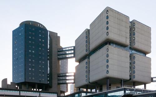 stony brook university new york suny health sciences tower bertrand goldberg architect 19651976 modern architecture hospital medical school domino cube