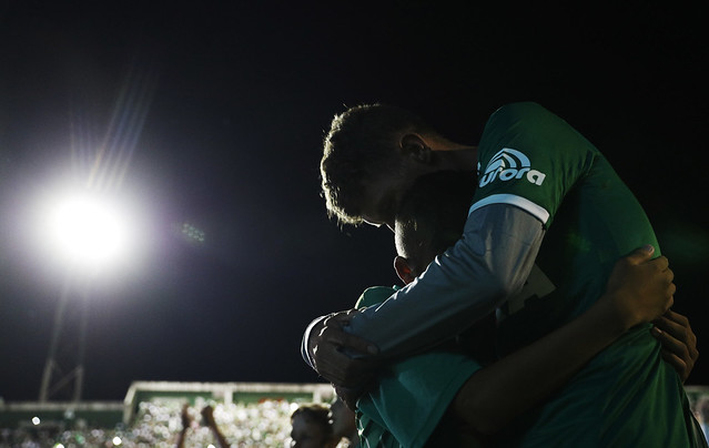Fans pays tribute to the players of Chapecoense