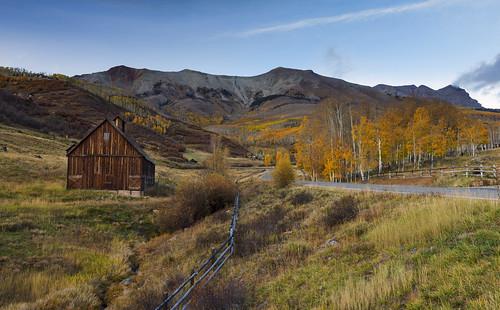 barn colorado lastdollarroad fall foliage autumn mountains