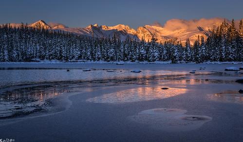 winter sunrise indianpeaks redrocklake