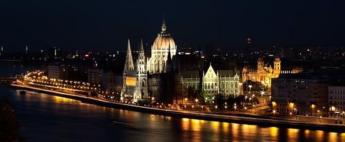 Tekintse meg Budapest látványosságait, ám de nem a szokványos, hanem egy különleges módon: a luxus világából!
