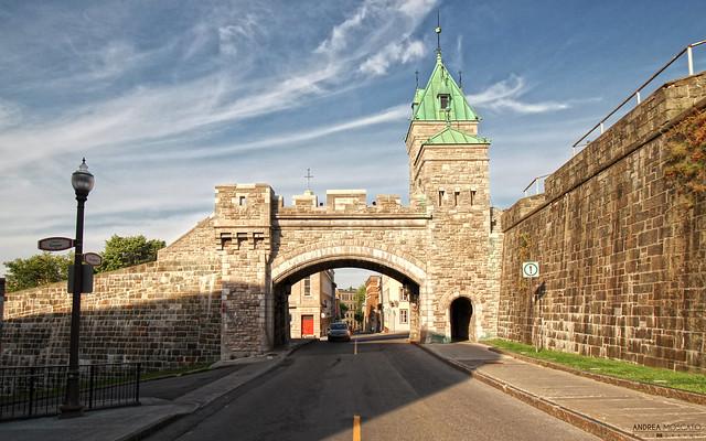 Porte Kent, Rue Dauphine - Quebec City (Québec, Canada)