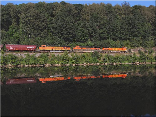 railroad orange reflection water train diesel pennsylvania engine transportation locomotive ge bnsf generalelectric fayettecounty youghioghenyriver c449w reglection es44ac widecab southconnellsville g08914
