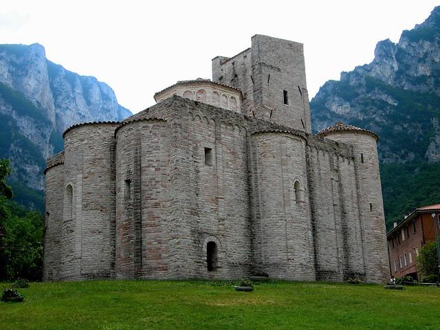 abbazia di S. Vittore - Frasassi