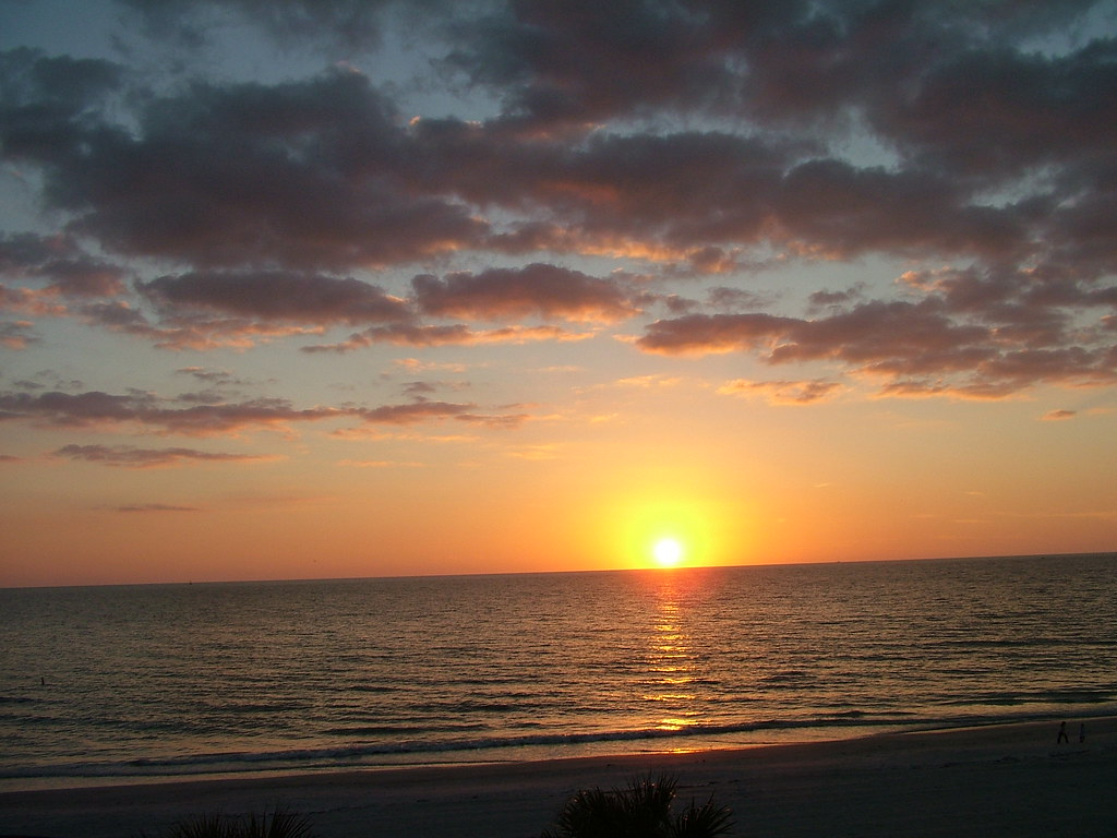 Sunset (sorry for the crooked horizon) | Indian Rocks Beach ...