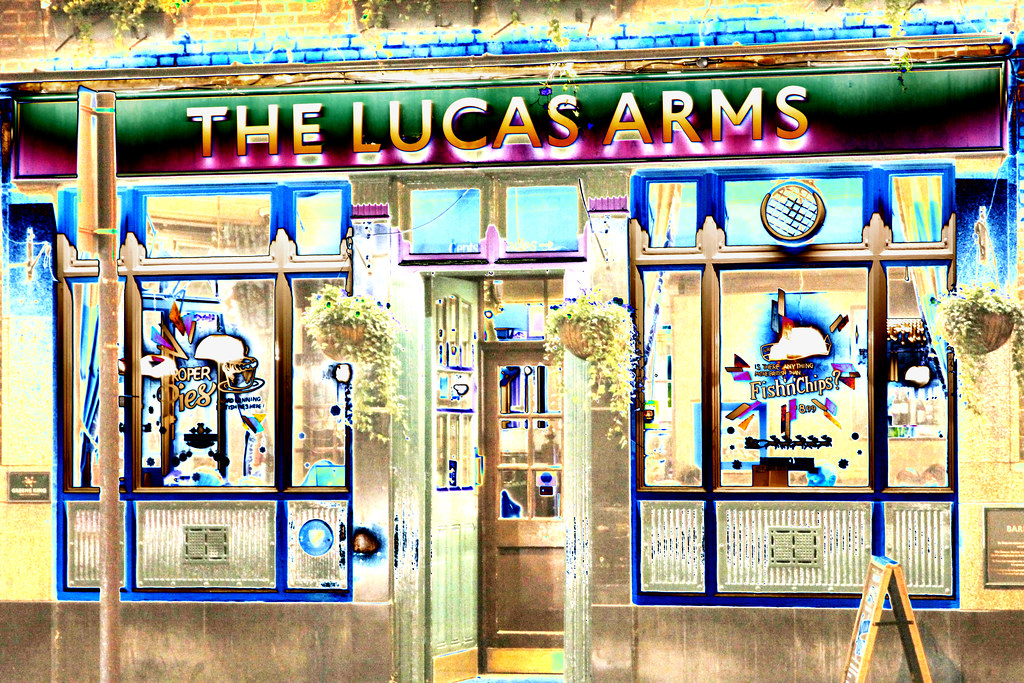 London The Lucas Arms 245a Grays Inn Road Kings Cross Dese Flickr