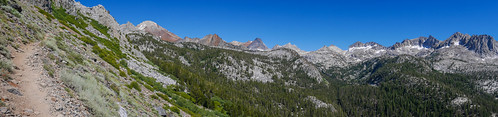 Red Slate Mountain and friends seen from the JMT climbing out of Tully Hole | by snackronym