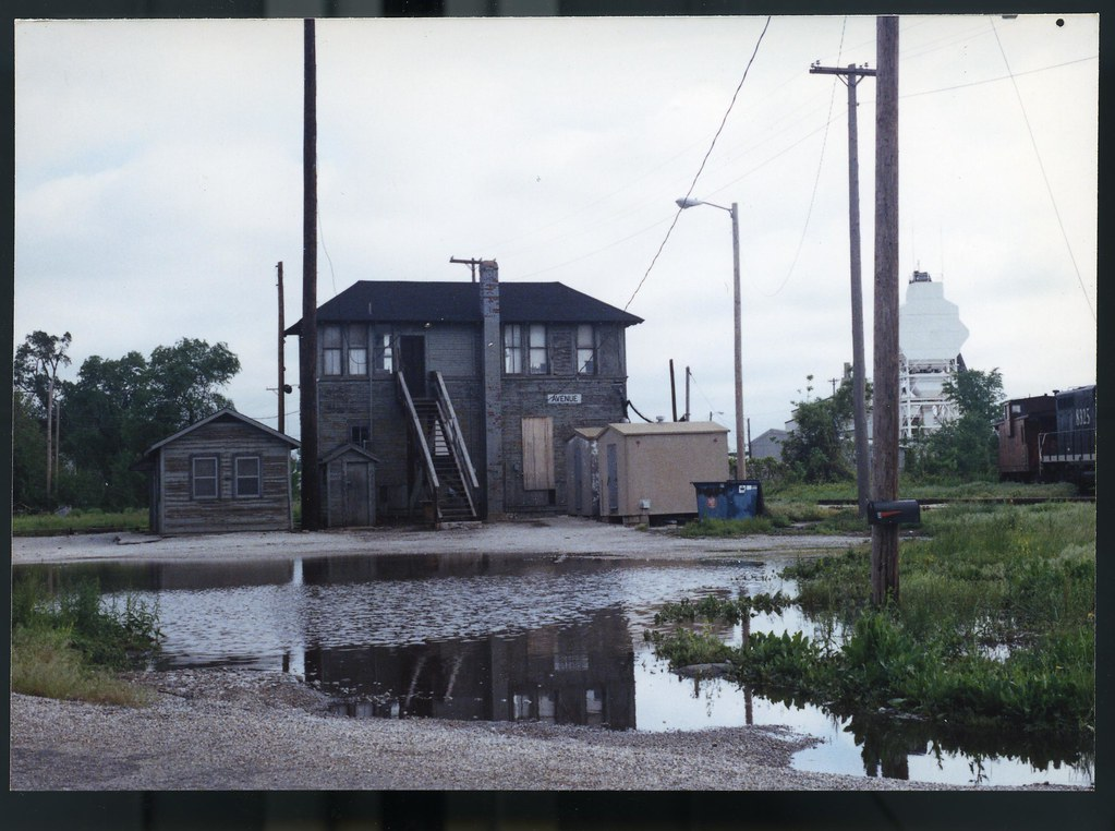 Illinois Central Ave Tower Springfield IL May 20 1990 35 mm 001