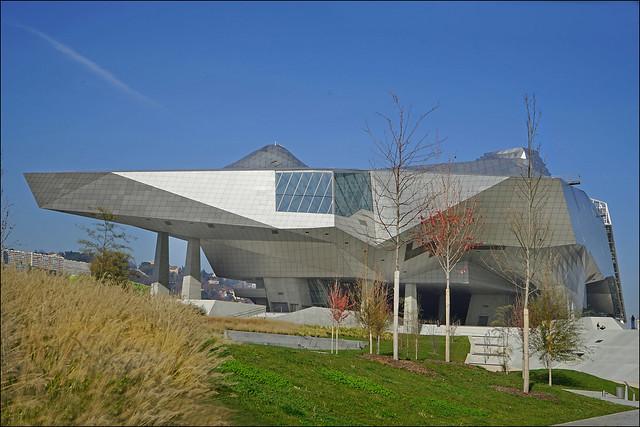 La façade sud du musée des confluences (Lyon)