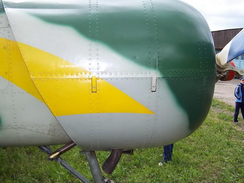 Yak-52 8