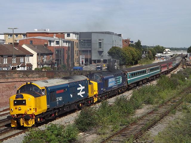 37401 + 37405 Eastleigh 22-08-15