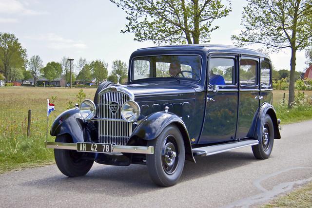 Peugeot 301 L N7C Limousine Commerciale 1933 (2488)