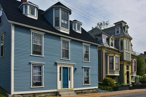 The Colorful Buildings and Houses in Lunenberg, NS   by diannlroy.com