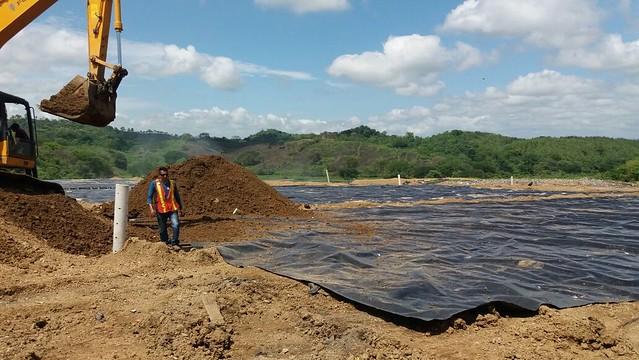 Progresa saneamiento ambiental del vertedero municipal