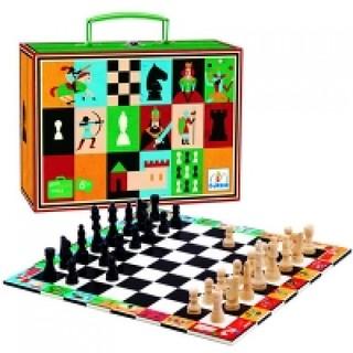 A sakk egyszerűen megunhatatlan. Ugye Ti is így gondoljátok? Lepjétek meg gyermeketeket ezzel a különleges sakktáblával, és vágjatok bele egy fantasztikus sakkpartiba!
