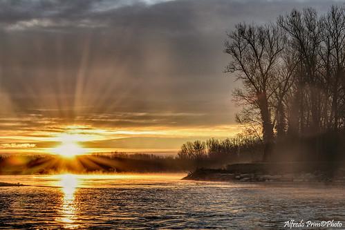 alba sunrise veterinarifotografi parcodelticino fiume river sun sole natura atmosfere ngc npc