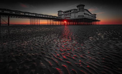wsm westonsupermare grand pier somerset uk sand sun setting 4771