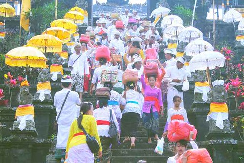 Alla scoperta di Bali e dei festeggiamenti del Tempio Madre