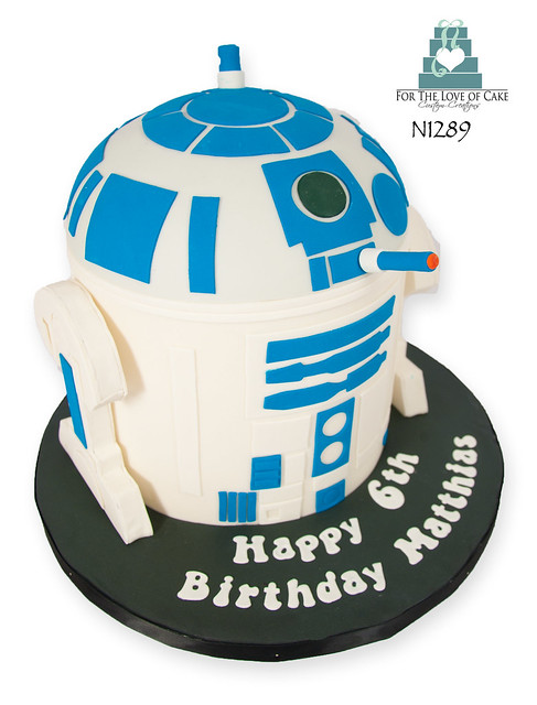n1289-R2D2-star-wars-6-birthday-cake