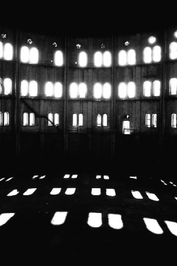 an empty room 2