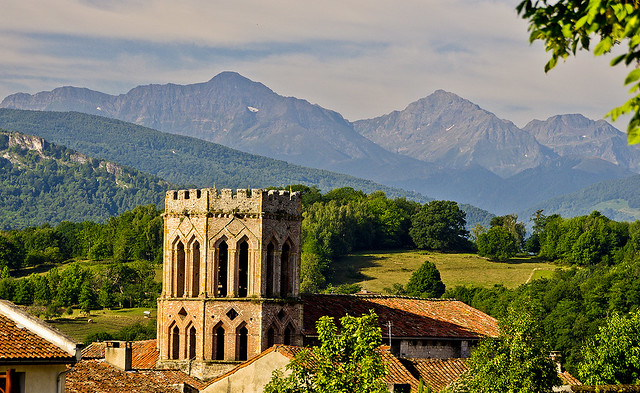 Sent Liser sobre els Pirineus / The Pyrenees from St. Lizier