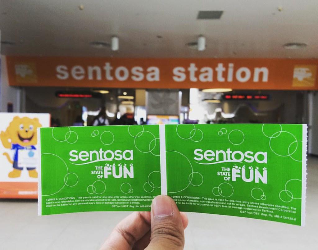 Double the fun!! 🚝 #travel #sentosa #singapore #trip #blo