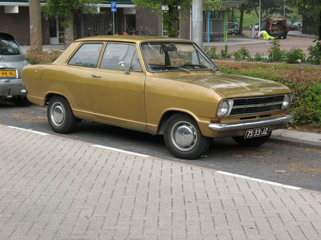 1965-1973 B #pha.033370 Photo OPEL KADETT L 4-DOOR SEDAN