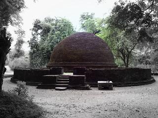 Stupa at Cūlańgaņi Vihara