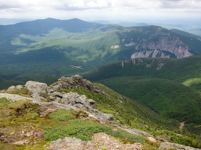 3:20:15 (56%): hiking newhampshire whitemountains franconianotch mtlafayette franconiaridgetrail mtlincoln franconiarange