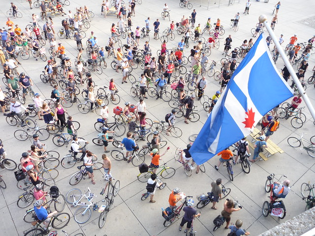 Wed, 07/20/2011 - 18:41 - July 20: The Bike Union organized a huge mass ride to protest the desicion by city council to remove the Jarvis bike lane.