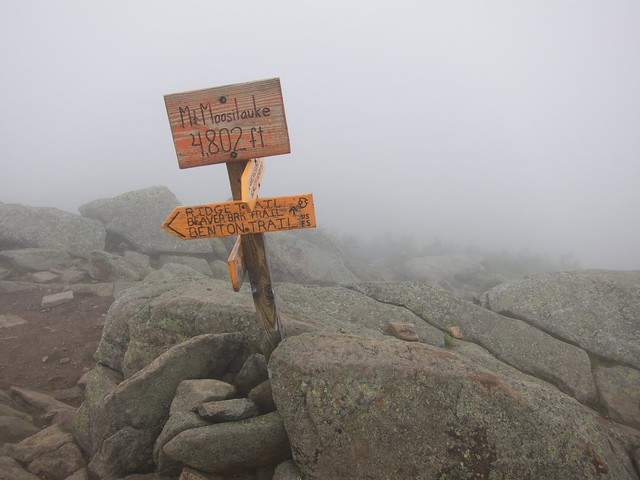 1:57:44 (89%): sign fog hiking newhampshire whitemountains mtmoosilauke bentontrail