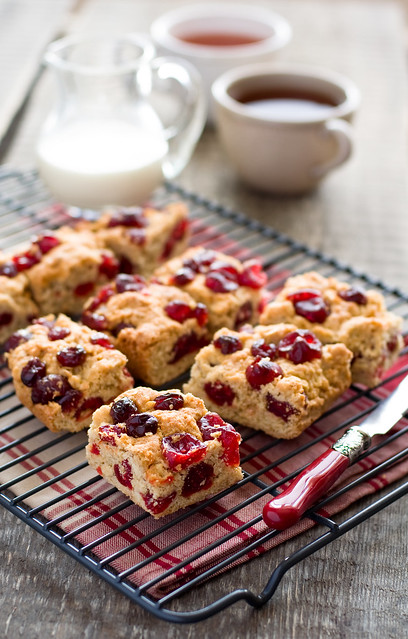oatmeal cookis with dried cherries