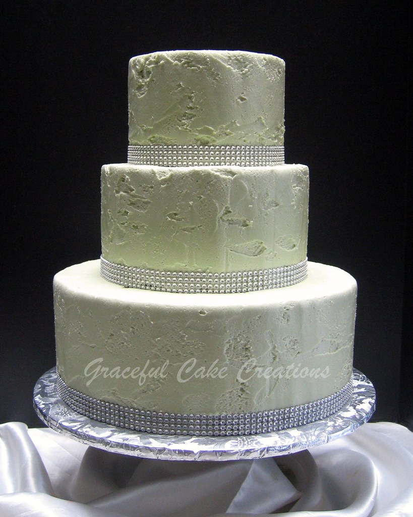 Simple But Elegant Green And Silver Wedding Cake Grace Tari Flickr