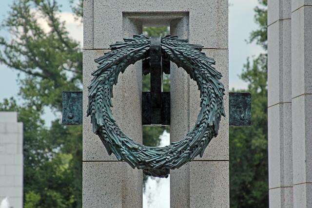3276 WW II Memorial