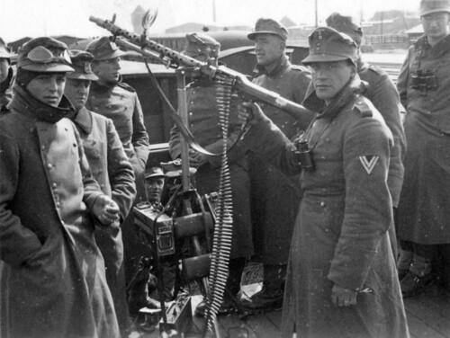 Bergjegere med maskingevær