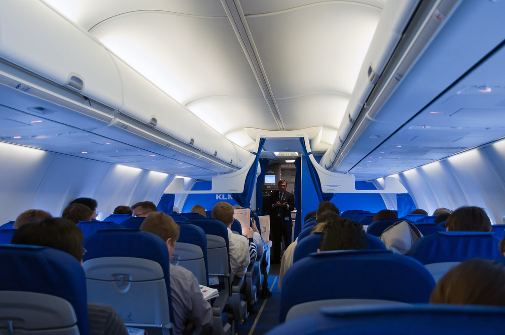 KLM 737-700 PH-BGD Cabin | Nice clean fresh interior on ...
