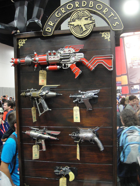San Diego Comic-Con 2011 - Dr Grordbort's steampunk weapons (Weta booth)