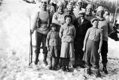 Engelske soldater med norsk familie. Hvor i Nordland?