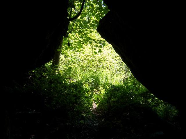 0:51:58 (57%): vermont bradford hiking cave devilsden wrightsmountain