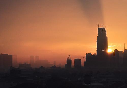 city sun sunrise cityscape philippines rays makati sunrays makatiphilippines
