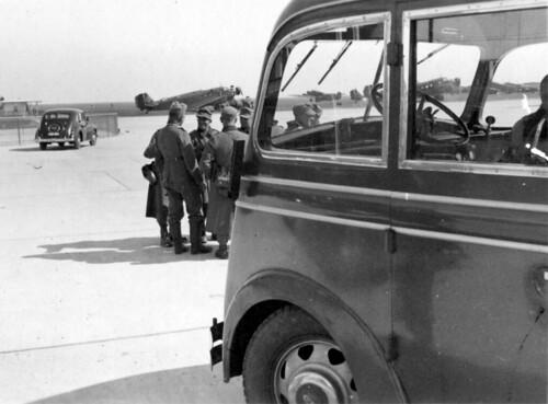 Grupper med soldater på København flyplass